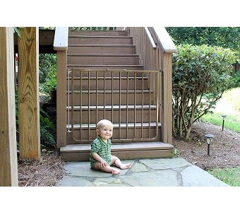 Cardinal Gates Outdoor baby Gate