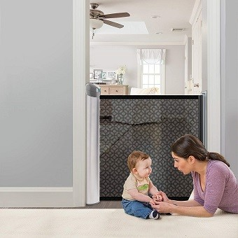 Best Retractable Baby Gates 2019 Guide Amp Reviews Baby