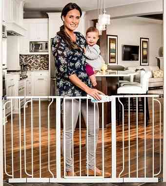 Regalo-Extra-WideSpan-Walk-Through-Safety-Gate